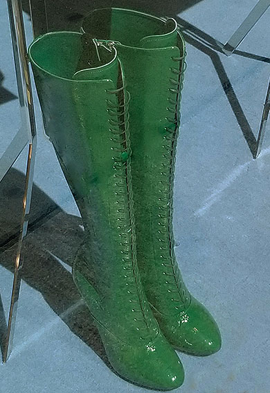 Spring for these green boots