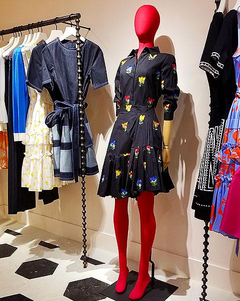 Wear Carolina Herrera prints in NYC in March