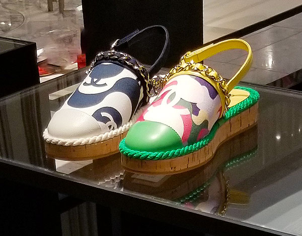 Chanel sandals for a perfect summers end