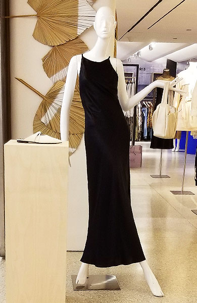 Black dreses are sleek and in action