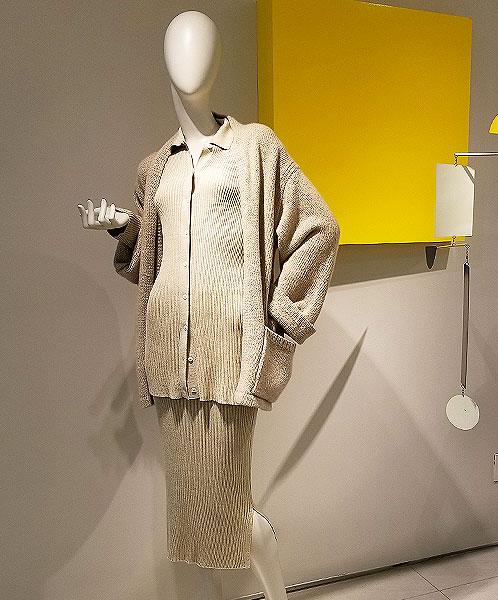 Pale beige netral knit