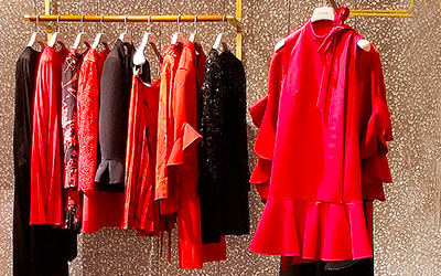 How To Heat Up Your Wardrobe. Wear Red.