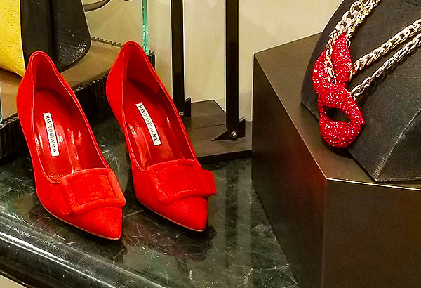 Red shoes to heat up your look.