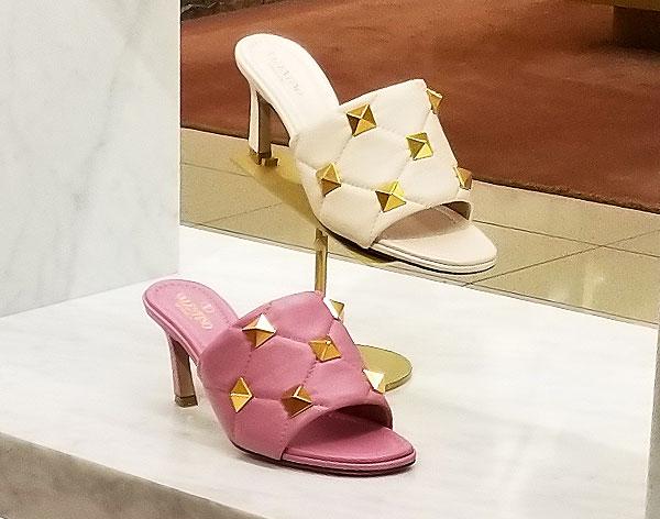 Perfect sandals with kitten heels