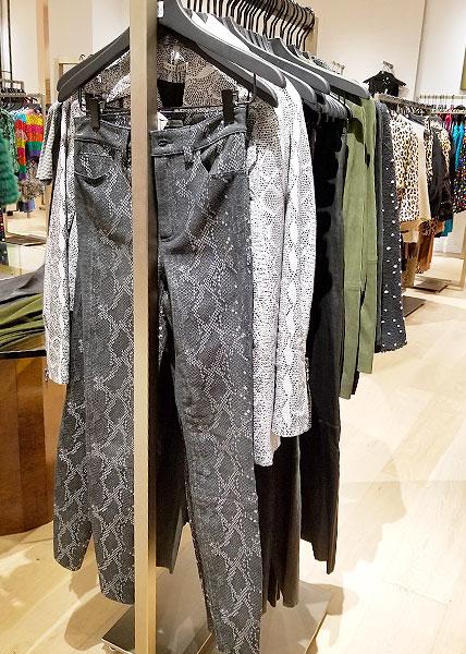 Python print jeans.