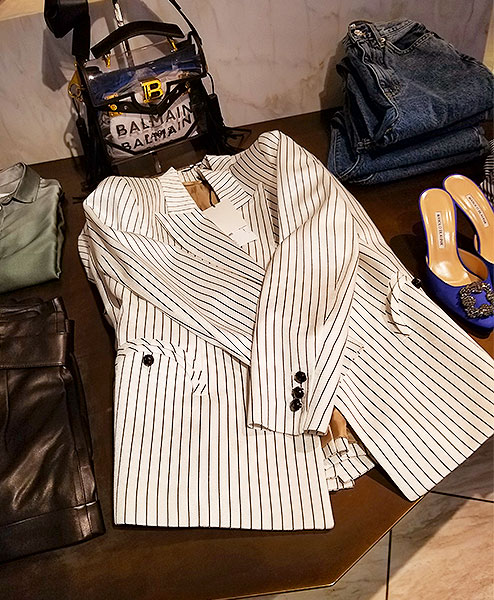 A White stripe Blazer
