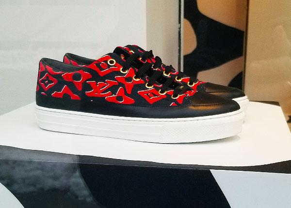Logo Vuitton red kicks